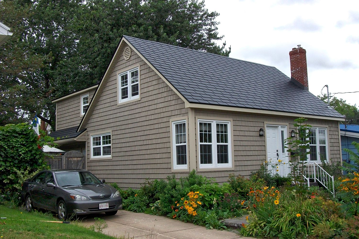 black metal slate roof open gable garden