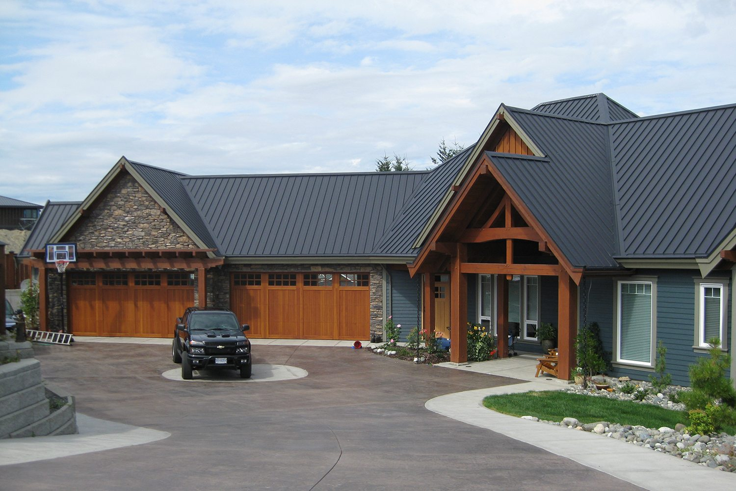 charcoal standing seam roof campbell river-3